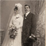 Pioneer Newlyweds ~ A Romantic Monday Post